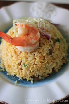 Eat Your Heart Out: Recipe: Golden fried rice with prawns and bunashimeji mushrooms Yummy Asian Food, Yummy Food, Asian Foods, Asian Rice, Authentic Chinese Recipes, Asian Recipes, Yummy Recipes, Asian Cooking, Rice Dishes