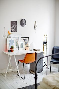 Check Out 25 Chic Scandinavian Home Office Designs. Scandinavian design is extremely popular now, so why not choose this style for your home office decor? Home Office Space, Home Office Design, Home Office Decor, Office Designs, Desk Space, Small Workspace, Office Table, Bedroom Office, Bedroom Workspace