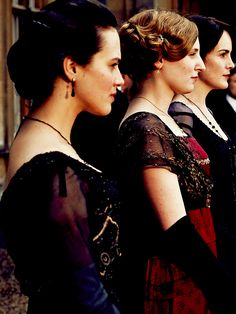 Downton Abbey ~ the three sisters crawley Sybil Downton, Pbs Tv, British Costume, Lady Sybil, Dowager Countess, Jessica Brown, Downton Abbey Fashion, Lady Mary, Three Sisters