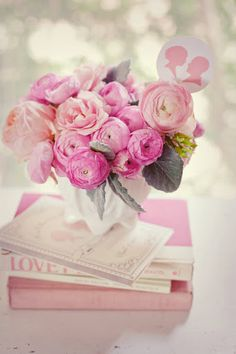 Pale, pink and pretty ranunculus flowers by Bows and Arrows. My Flower, Pretty In Pink, Beautiful Flowers, Pink Roses, Pink Flowers, Ranunculus Flowers, Pink Peonies, Peony, Deco Rose