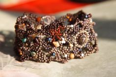 Freeform Armband *BROWN MAGIC * Muschel Edelsteine von ❀ ♥ VENUSFLOWERS STERNENSTAUB♥ ❀ auf DaWanda.com