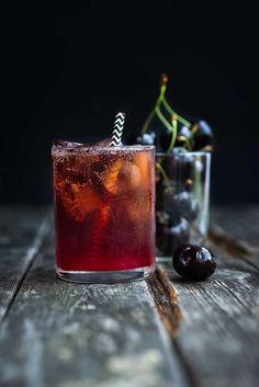 Black Cherry Bourbon Cola Smash Cocktail: black cherries bourbon cherry brandy lime juice cola to top up (or ginger beer, soda water) Refreshing Cocktails, Fun Cocktails, Fun Drinks, Yummy Drinks, Alcoholic Drinks, Beverages, Cola Drinks, Easy Summer Cocktails, Cocktail Vodka