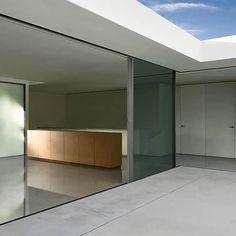 #architecture : Atrium House by Fran Silvestre Arquitectos (video)