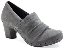 The Dansko Nori from the Sofia collection. MSRP $165 I love this pretty soft grey color, these look stylish and comfortable! #danskoessentials