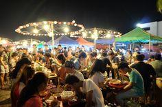 バンコクの夜はタラートロッファイ・ラチャダーへ