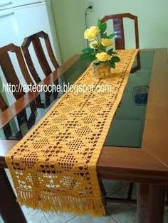 Resultado de imagem para caminho de mesa com grafico croche