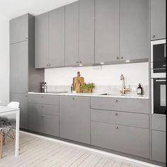 Släta luckor i matt kulör NCS S5500-N. Även här på Metodskåp från IKEA… | kind of like the grey cabinets