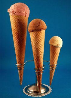 ¿Te apetece un #cucurucho? #helado #icecream #delicious #parlament56 #horchata #orxata #horchateriasirvent #orxateriasirvent #balmes130 #granizados http://turronessirvent.com/