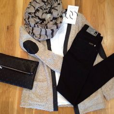 Perfect sweater, perfect jeans, and perfect jewels!! #7forallmankind #graylingjewelry