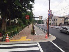 千川通りがほぼ開通してました。この区間は車道、自転車道、歩道があって、さらに練馬区管理の歩行者道があります。