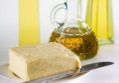 Jaké jsou plusy a minusy palmového oleje, kokosového tuku, másla nebo řepkového oleje?