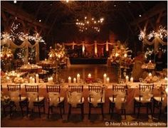 Barn wedding reception Table layout with dancefloor in middle