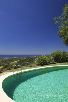 Villa for Sale in Benahavís, Costa del Sol. Click on the image for details about this property.