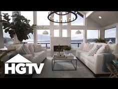 Yesterday I was lucky enough to be invited to tour the 2018 HGTV Dream Home and, lemme tell ya, it's daaamn good. Designer Brian Patrick Flynn has really outdone himself! While nothing can really replace the magic of seeing it in person (sorryyyy), I hope these photos help y Hgtv, Couch, Magic, Photos, Furniture, Design, Home Decor, Black House, Settee