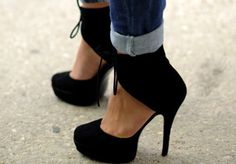 """Little Black Dress"" for the foot"