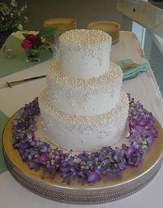 Dripping in pearls Wedding Cake <3