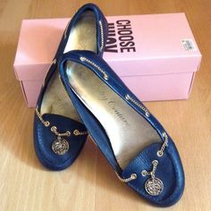 JUICY COUTURE Sz 7.5 Navy leather coin flats ✨✨ JUICY COUTURE Sz 7.5 M Zoe navy tumbled calf leather flats with gold coin and chain. Outer leather looks LIKE NEW. Some signs of wear on insole and sole, but still in excellent contain. Very small scuffs on toes, but otherwise no scratches on leather. Excellent condition! Includes pink juicy couture dust bag and can be shipped with the original box. Juicy Couture Shoes Flats & Loafers