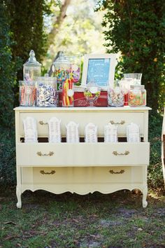 Not sure if a candy bar would be a good idea with so much food! But we were thinking of having a kind if candy bar with argentian and portuguese treatd! Maybe as guests leave the party they could bump into this farewell table with take away goodies :) Wedding Candy, Wedding Desserts, Diy Wedding, Rustic Wedding, Dream Wedding, Wedding Decorations, Wedding Ideas, Wedding Things, Wedding Reception