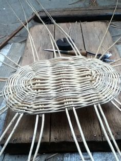 1 of 10 - washing basket being made Washing Basket, Rolled Paper, Weaving Techniques, Basket Weaving, Macrame, Baskets, Relax, Home Decor, Wicker