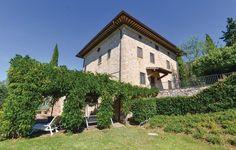 VRBO.com #2585783ha - 5 Bedroom Accommodation in Assisi (Pg)