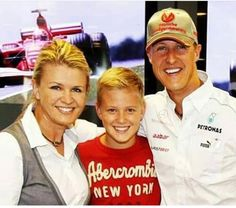 With mummy and daddy some years ago 😍❤️ . by Schumacher fanpage Mick Schumacher, Michael Schumacher, Thing 1, F1 Drivers, Keep Fighting, Lewis Hamilton, Ferrari, Formula One, Champs