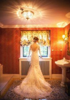 Low back lace mermaid wedding dress. Chic Wedding Dresses, Lace Mermaid Wedding Dress, Bridal Boutique, Bridal Accessories, Bridal Gowns, Real Weddings, Wedding Day, Bride, Pretty