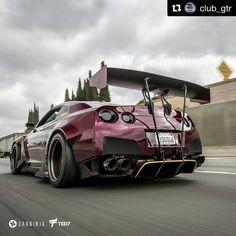 "27 Likes, 1 Comments - Motorholic (@motorholic.de) on Instagram: ""Heißer Nissan GT-R Repost @club_gtr with @repostapp ・・・ Bootylicious @irontoro @iamted7…"""