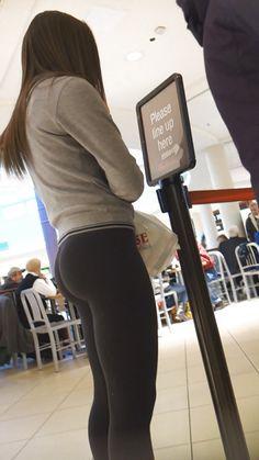 Nothing Butt Creepshots! Girls Volleyball Shorts, Teen Leggings, Candid Girls, Promo Girls, Yoga Pants Girls, Beautiful Yoga, Sexy Teens, Workout Pants, Booty
