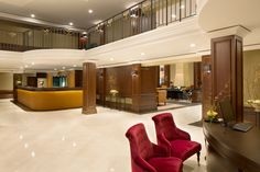 Hereinspaziert: Die Lobby im Kempinski Hotel Frankfurt.
