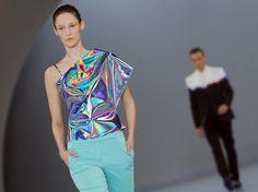 Coole Fashion von Hugo #Boss im Eisstadion auf der Berlin #fashionweek . #MBFWB (Foto: Jens Kalaene) News zur Fashion Week hier: http://www.noz.de/65266927