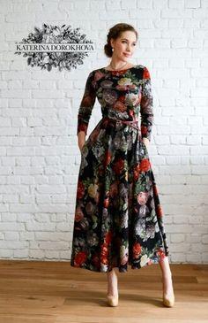 Fabulous flower maxi dress with long sleeves. Modest Dresses, Pretty Dresses, Beautiful Dresses, Dresses Dresses, Floral Maxi Dress, Summer Dresses, Mode Outfits, Dress Outfits, Fall Outfits