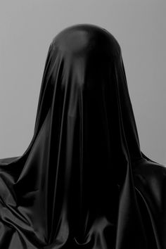 """In LA-based Nicholas Alan Cope and Dustin Edward Arnold presented captivating series of fashion images. Meaning knowledge in Sanskrit, their project """"Vedas"""" is an exceptional example of a thriving artistic marriage. Manara Milo, The Wicked The Divine, Bellatrix Lestrange, Arte Horror, Horror Art, Dark Photography, Distortion Photography, Fabric Photography, Memento Mori"""