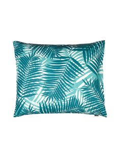 Pehmeässä tyynyliinassa on raikasta kuviointia. Tyynyliina on materiaaliltaan perkaalipuuvillaa.