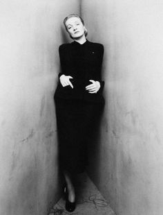 Irving Penn's corner portrait of Marlene Dietrich. Who knew being crammed into a corner could look so graceful? #vintage #blackandwhite #marlenedietrich