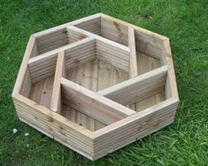 Handmade hexagonal wooden herb wheel garden planter by Bogglewood- I want one of these! - Planters - Ideas of Planters Wooden Garden Planters, Herb Planters, Brick Planter, Herb Garden Planter, Bamboo Planter, Fish Garden, Galvanized Planters, Tiered Planter, Planter Bench