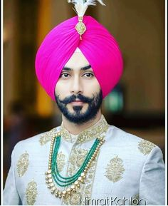 Punjabi groom in Sikh Wedding Sikh Wedding Dress, Punjabi Wedding Couple, Wedding Dresses Men Indian, Wedding Sherwani, Punjabi Couple, Engagement Dress For Groom, Wedding Outfits For Groom, Wedding Men, Wedding Couples