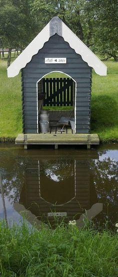 would make a cute duck house