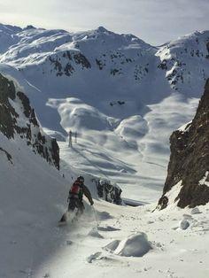 #Andermatt #Backcountry #Skiing. Great terrain towards The #gotthard pass road. Welcome to the #freerider's #lodge and #hostel in #andermatt, #swiss #Alps www.basecamp-andermatt.com WE GOT SNOW ! :-) #freeride #freeski #powder #backcountry #skitour #randonee #switzerland #gemsstock #nätschen #accommodation #ski #backcountry #offpiste #deep #steep #bigmountain #outdoor #fewo #guspis #gurschenstock #giraffe #snow #dump #oberalp #open #furka #gotthard