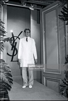 Yves Saint Laurent during the presentation of his Fall Winter 1981 fashion collection.