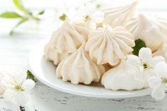 Aquí te enseñamos a hacer merengue cocido, una repostería dulce, irresistible, empalagosa y tentadora como ninguna.