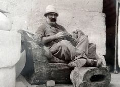 Constantin Brancusi lived in France for many years but he was a romanian artist and even had many of his works returned to romania. Check out his Paris studio in my series. Constantin Brancusi, Henri Rousseau, Art Moderne, Famous Artists, Art Studios, Art World, Art Images, Old Photos, Modern Art