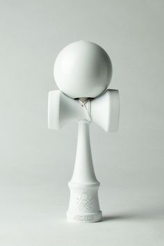 The Whiteout aTack-Sweets Kendamas