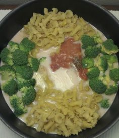 One Pot Wonder Pasta Con Broccoli. I will also try adding 1 pound of chopped boneless, skinless chicken. I like meat!