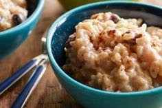 Delicia dulce de arroz con ruibarbo y jengibre