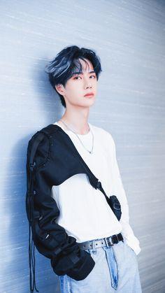 Asian Boys, Asian Men, Yuehua Entertainment, Chinese Boy, Chinese Candy, Asian Actors, Handsome Boys, K Idols, Beautiful Boys