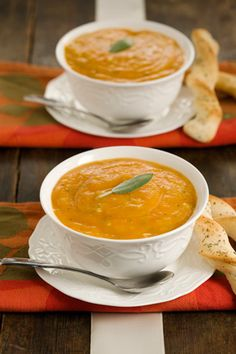Paula Deen Creamy Squash Soup This is the best recipe ever and simple. Creamy Butternut Squash Soup Recipe, Chicken And Butternut Squash, Roasted Butternut, Korma, Biryani, Fall Soup Recipes, Pureed Soup, Soup And Sandwich, Soup And Salad