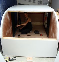 Excellent and detailed teardrop trailer build