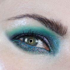 Sydney Grace Co Alexandrite Multichrome Cream Eyeshadow on Hooded Eyes