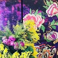 It may be freezing in Paris, but it looks like spring at @elitisfrance! What a gorgeous showroom and one of my favorite sources. @parisdecooff_official #textiles #wallpaper #spring #paris #showroom #saintgermain #flowers #nature #beauty #inspiration #art #interiors #design #decor #style #pink #yellow #green #purple #instagood #joid