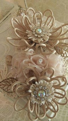 "Uniquely ella: Nice ""shabby chic"" things to look at. Cloth Flowers, Burlap Flowers, Faux Flowers, Diy Flowers, Fabric Flowers, Paper Flowers, Wedding Flowers, Fabric Ribbon, Burlap Crafts"